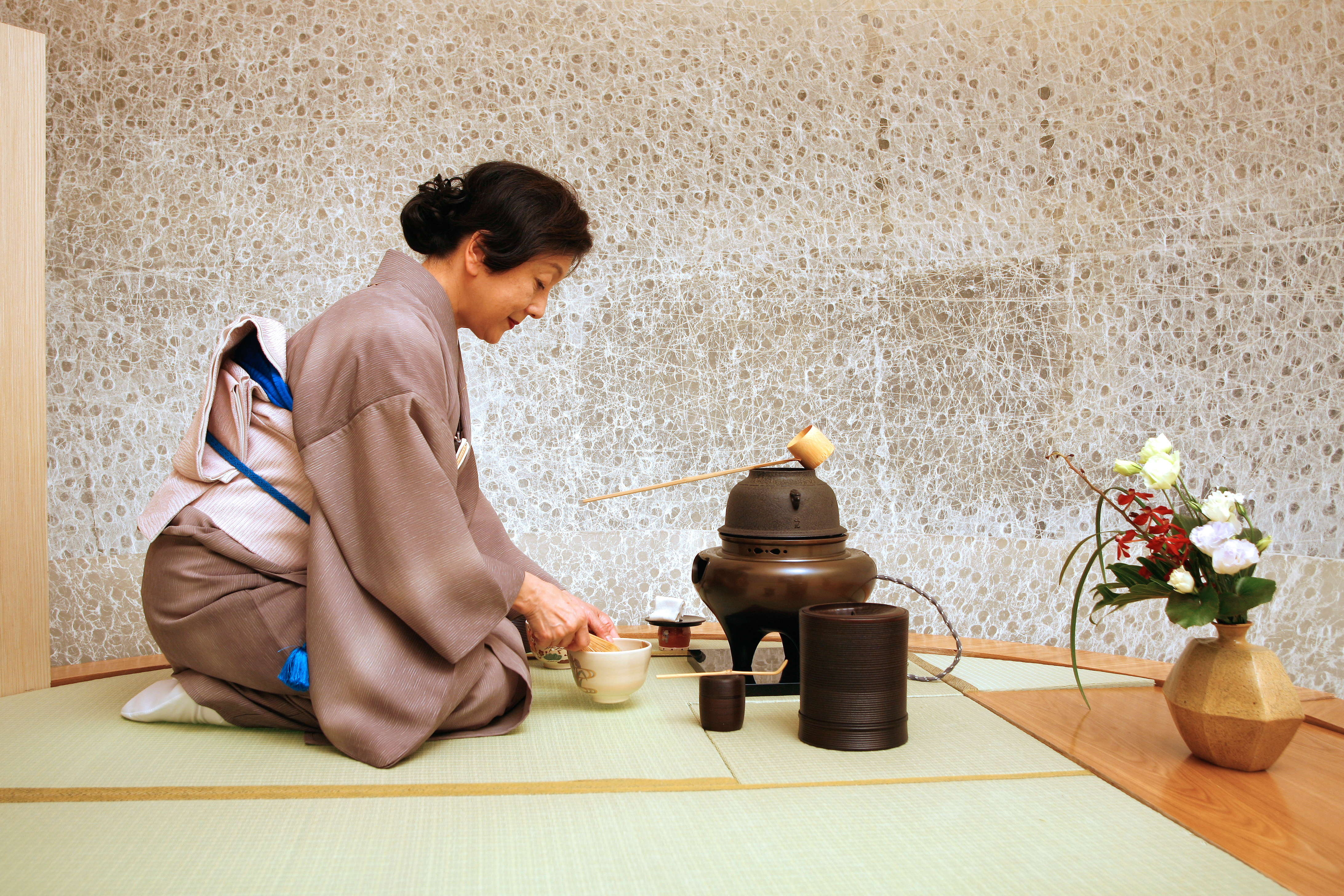 tea in japan essays on the history of chanoyu The japanese tea ceremony is called chanoyu or sado for the japanese it is basically a choreographic ritual of preparing and serving bitter tea, called the matcha, together with some sweet victuals to fight off the bitter taste of the tea each movement is predefined the whole process is not about drinking tea, but is about aesthetics.